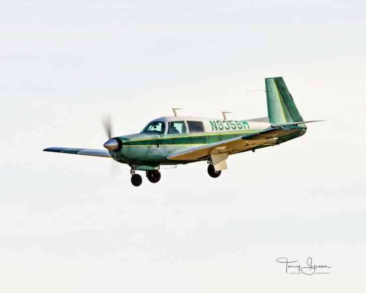 mooney airplane