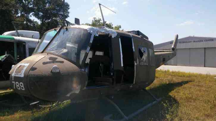 Huey Helicopter For Sale >> 1971 Bell Huey Helicopter Fuselage Only For Parts Or Static Display I