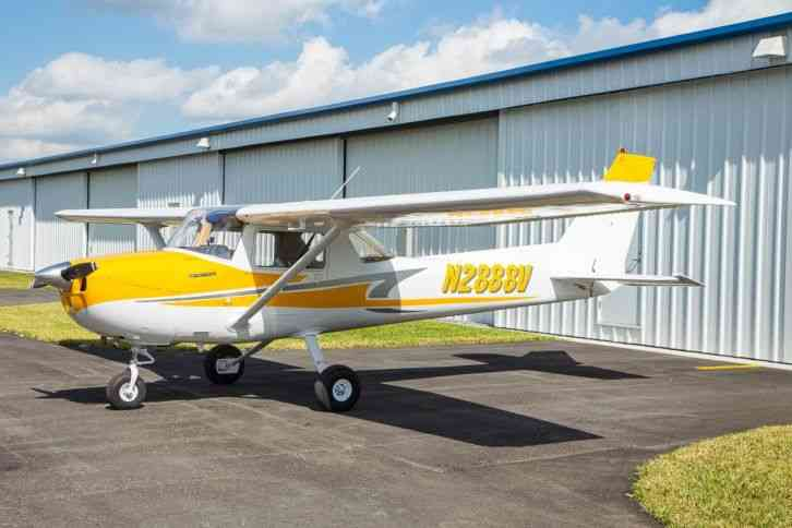 1974 CESSNA 150 NICE PAINT AND INTERIOR FRESH ANUAL