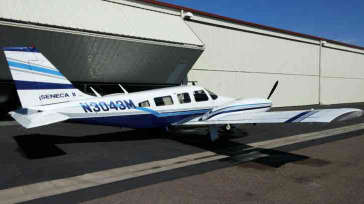 1977 Piper PA34-200T Seneca II Twin 6 Cylinder Propellor 7 Passenger Airplane