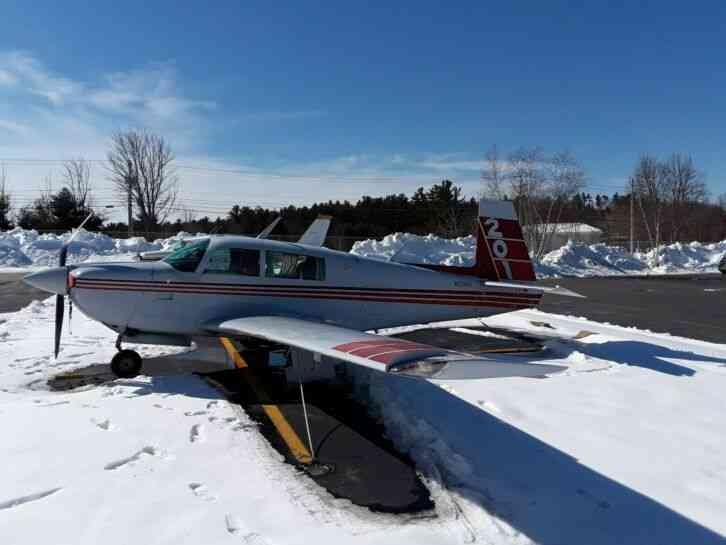 "1982 MOONEY M20J ""201"", 5,067 TT, 3,068 SNEW ENG, STRAIGHT AIRFRAME WITH RIGHT"