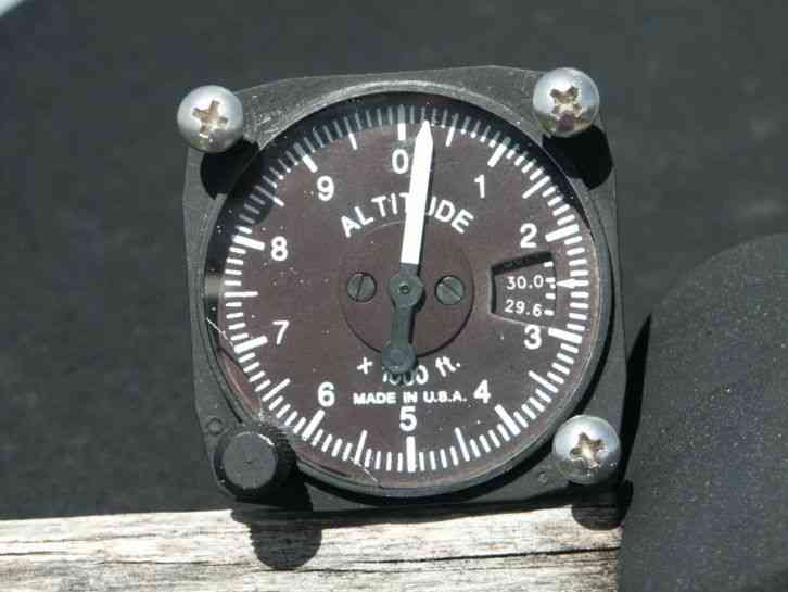 Aircraft Altimeter 10,000 Ft. U.M.A. Inc. Made In USA.