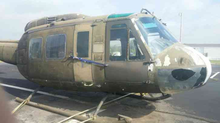 "Huey Helicopter For Sale >> Bell : ""Aircraft is without drive train data plate and logs."" 1968 F sale 1"