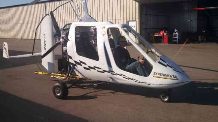 Country Region of Manufacture: United States Beautiful looking and flying 2  seat tandem Gyroplane