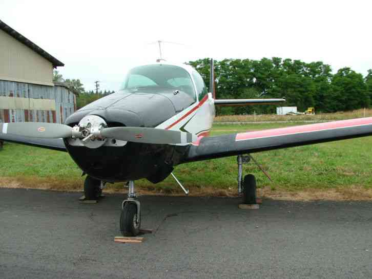 "Navion : ""This aircraft is a minor project. Needs Panel installed, carpets"